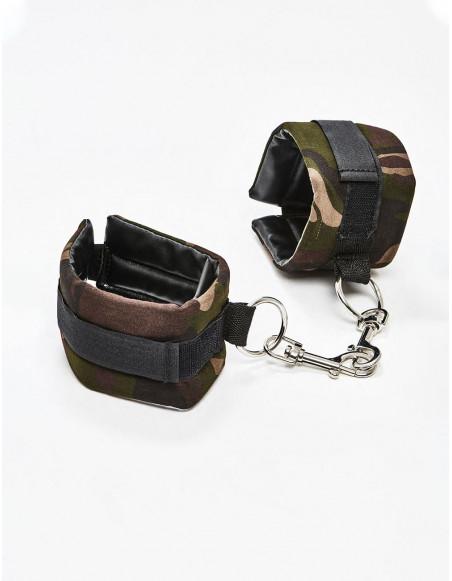Menottes Colt Camo Universal Cuffs ambiance